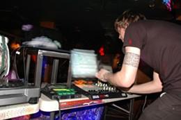 19.49_shortlist_music_club_stoic_dsc_0031_credit_jonbob.jpg