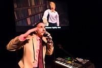 Alexis Gideon performing live