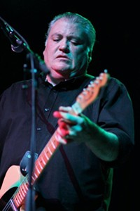 ELLIOTT - David Hildago of Los Lobos