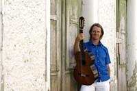 DAVIDRUSSELL.COM - Guitarist David Russell