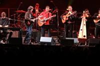 "ELLIOTT - Jackson Browne performs ""Linda Paloma"" with Calexico and Mariachi Luz de Luna."