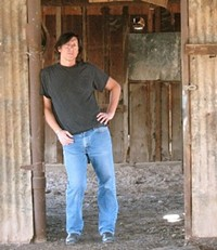 84386910_kp_barn_cropped.jpg