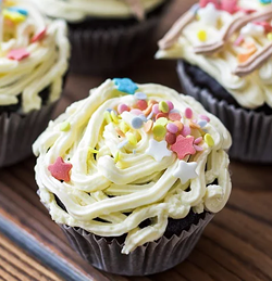black_friday_cupcake.png