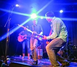 David Slutes performing with the Sidewinders.