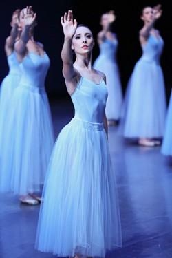 ballet_tucson_-_pc_angela_sterling_serenade_jahna_frantzisko.jpg