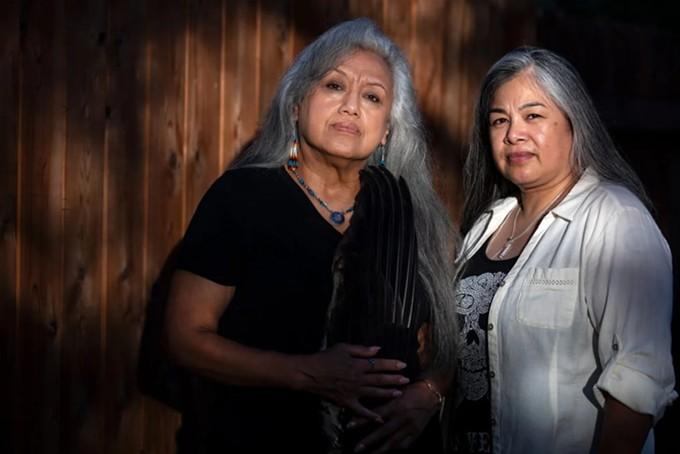 Juanita Ramos, left, and her daughter, Dawn. (Montinique Monroe for the Texas Tribune/ProPublica)