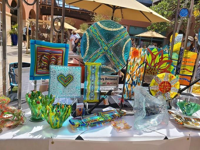 La Encantada Winter Fine Art Market