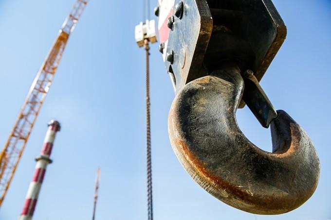 bigstock-hook-of-a-mobile-lifting-crane-88617200.jpg