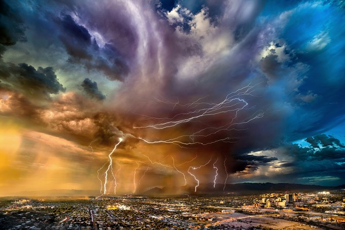 lesch_william_._time_lapse_view_of_thunderstorm_and_lightni.jpg