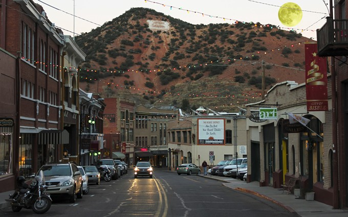 bigstock-a-full-moon-in-bisbee-during-t-80811854.jpg