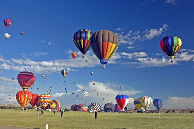 bigstock-albuquerque-ballon-fiesta-2242701.jpg