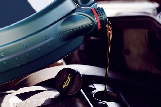 bigstock-fresh-motor-oil-119174069.jpg
