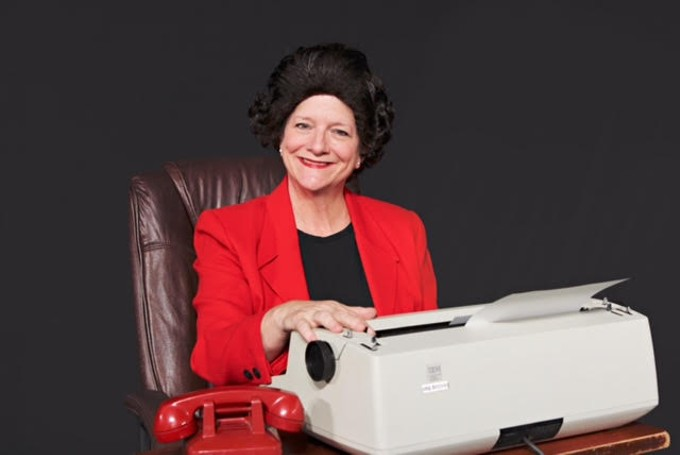 Lesley Abrams as Ann Landers in The Lady with All the Answers
