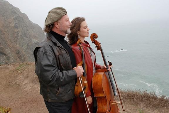 Fiddler Alasdair Fraser and cellist Natalie Haas bring Scottish instrumental music to Tucson Friday night.