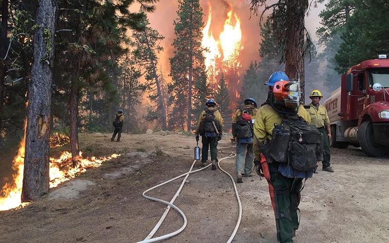 Arizona fire officials say they are taking steps to keep crews social distanced, but there will be times in the field when firefighters will have no choice but to be in close proximity. (Photo courtesy of the U.S. Forest Service)