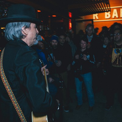 New Year's Eve 2016 with XIXA and Howe Gelb